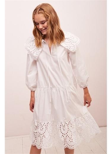 Never More Fistolu V Yaka Midi Beyaz Elbise Beyaz